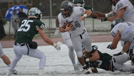 Aaron Aguilar's Career Day Lifts #16 CWRU to NCAA Football Win at #11 Illinois Wesleyan, 28-0