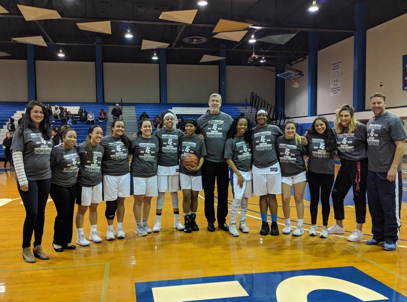Women's Basketballl Claims Third Straight Conference Title