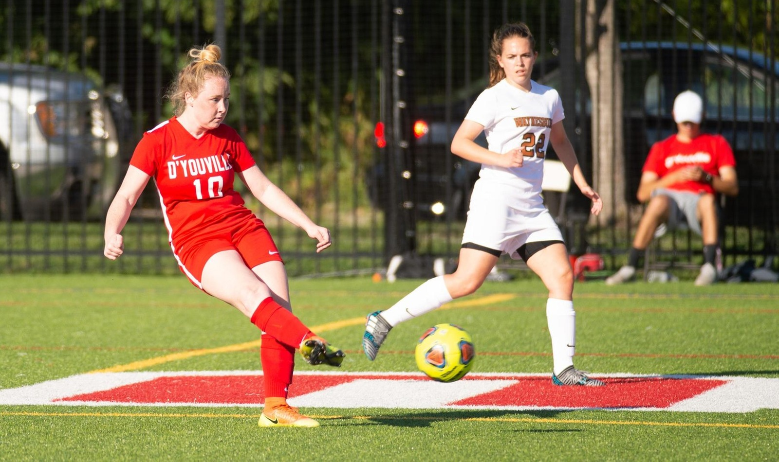Women's Soccer Remains Top-Three in AMCC After Game of the Week