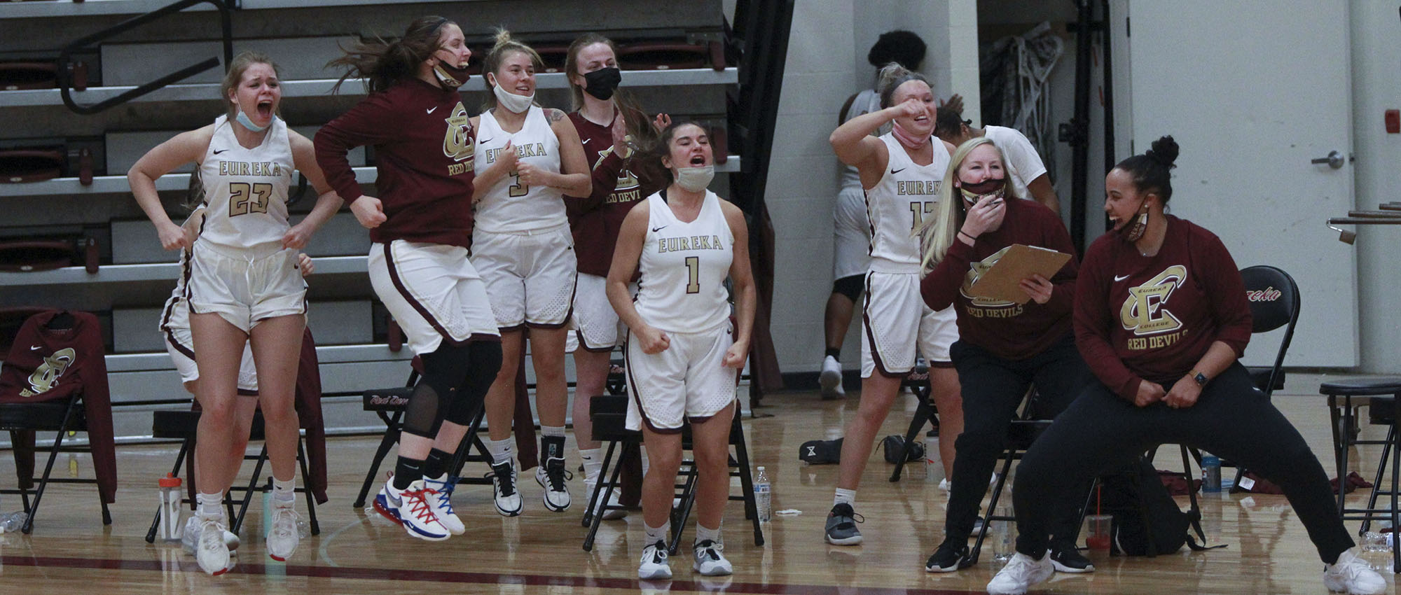 Eureka Tops Spalding, Advances to SLIAC Semifinals, 85-58