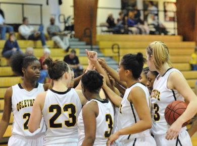 Women's Basketball Set to Host Country Inn & Suites Holiday Tournament