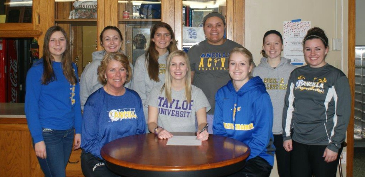 Photo for Walters to Continue Volleyball Career at Taylor University