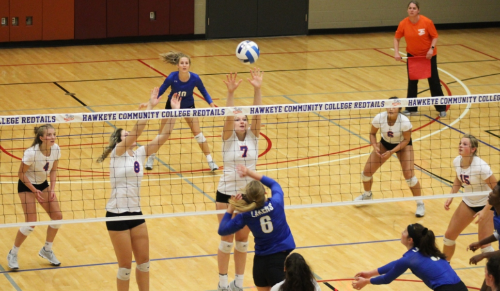 RedTails Volleyball Sweeps Iowa Lakes