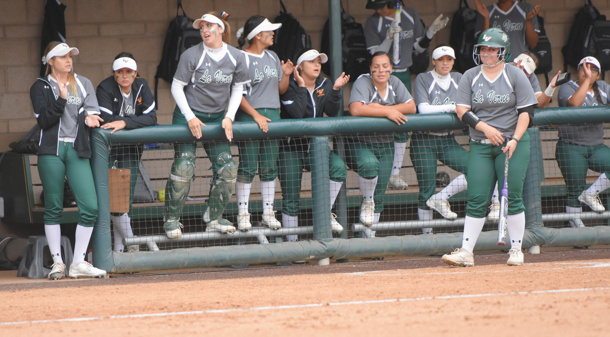 Softball named Easton/NFCA Division III All-Academic Team