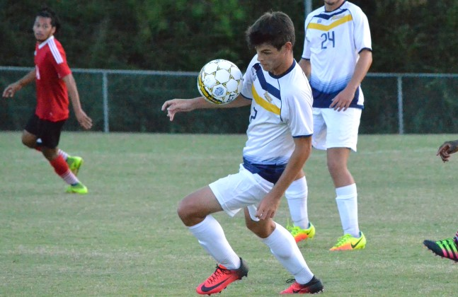 Second-Half Surge Propels Thomas past Andrew, 5-3