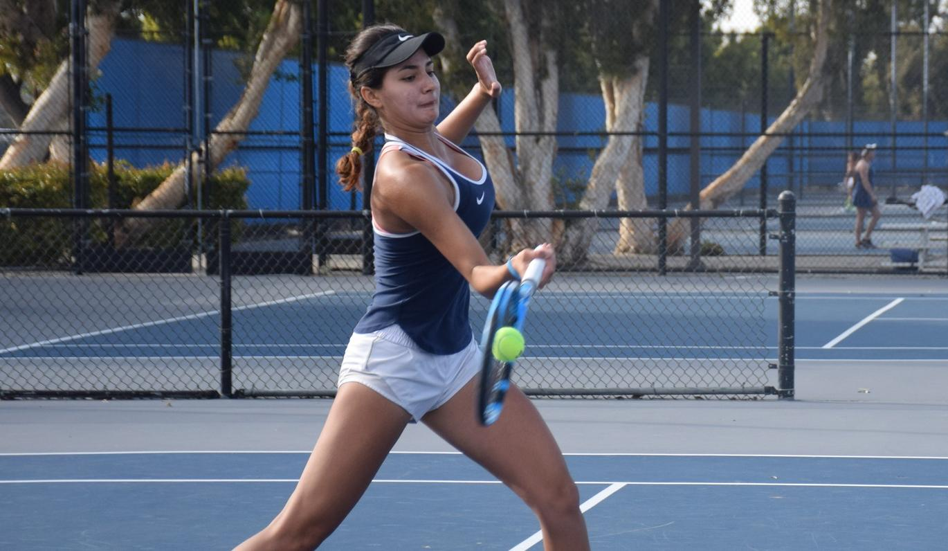 Women's tennis team loses key conference match to Riverside