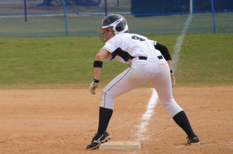 Brandeis softball splits with Clark