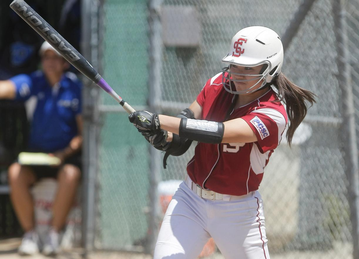 Santa Clara Softball Finishes Strong, Rallying to Beat St. John's