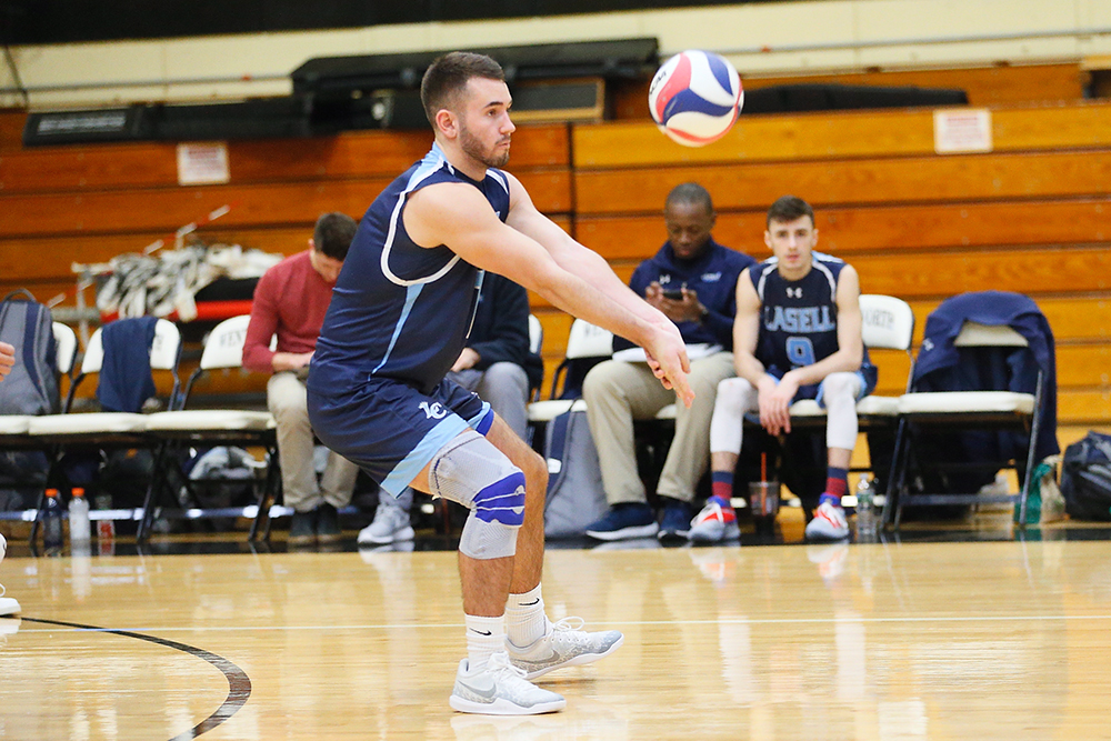MVB: Lasell splits two matches at Wells College Tournament