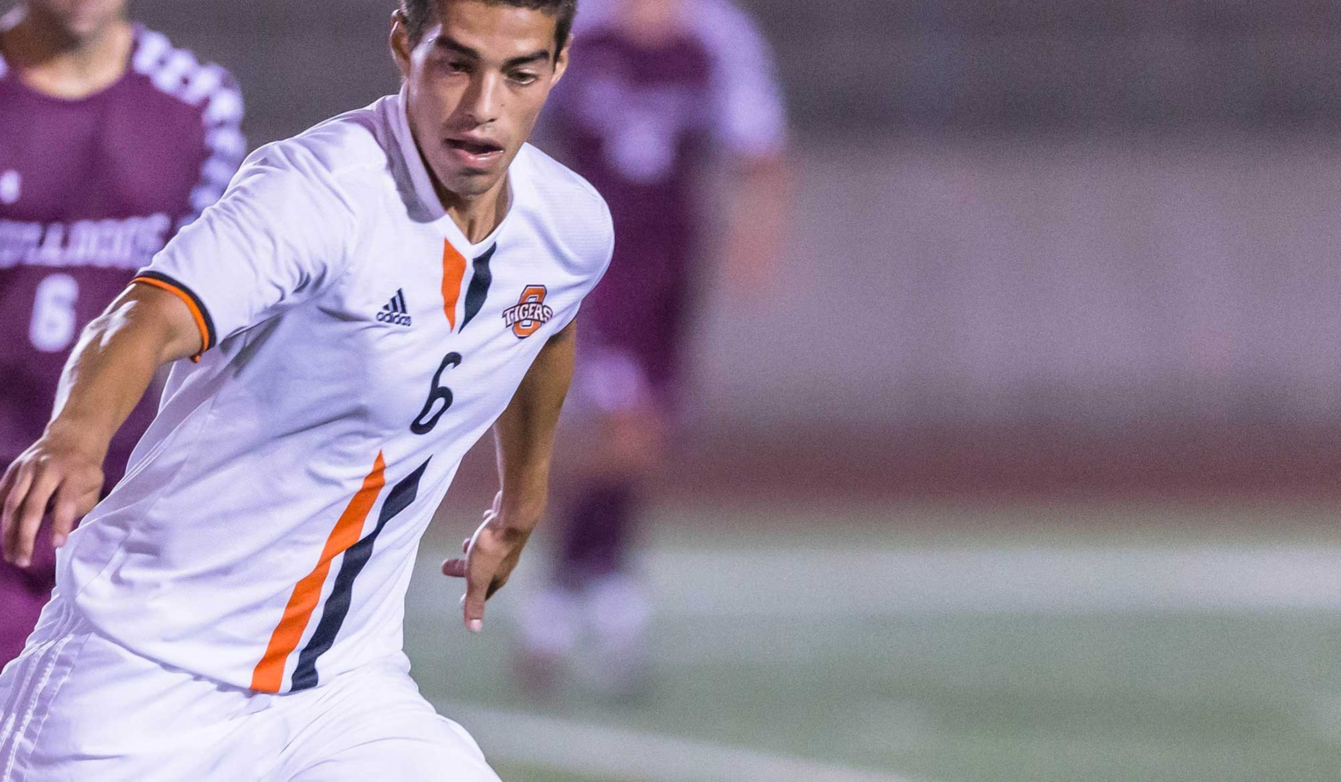 Oxy Beats Caltech, Moves Up SCIAC Standings