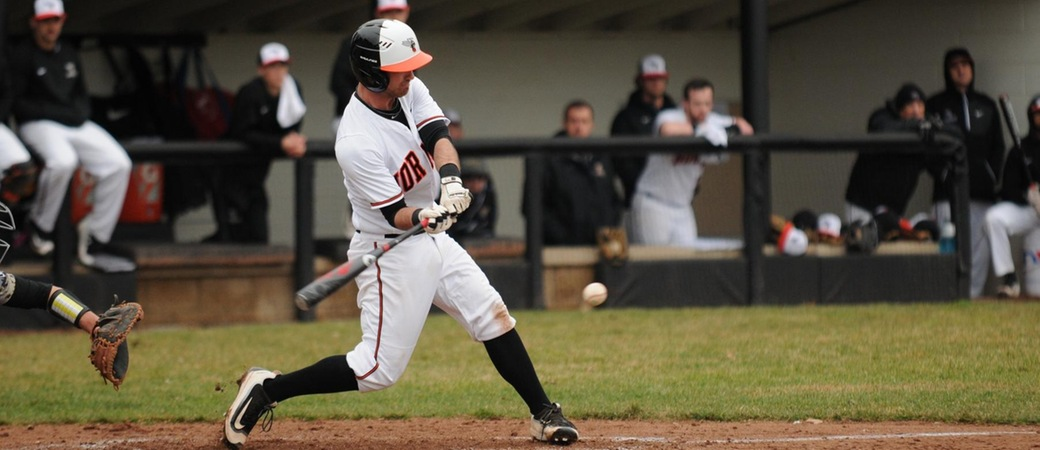 Baseball wins series over Hope with doubleheader split