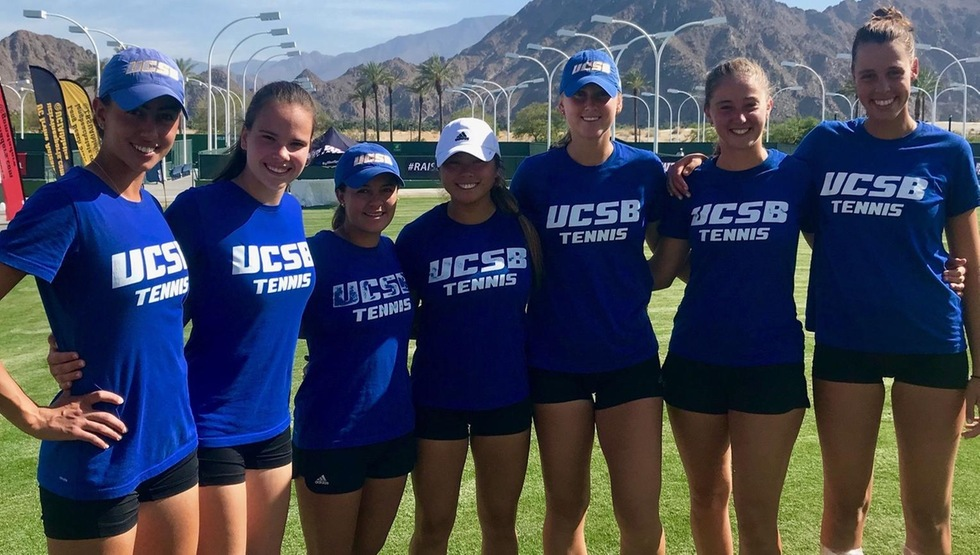 The UCSB women's tennis team in Indian Wells, CA. (Photo by Simon Thibodeau)
