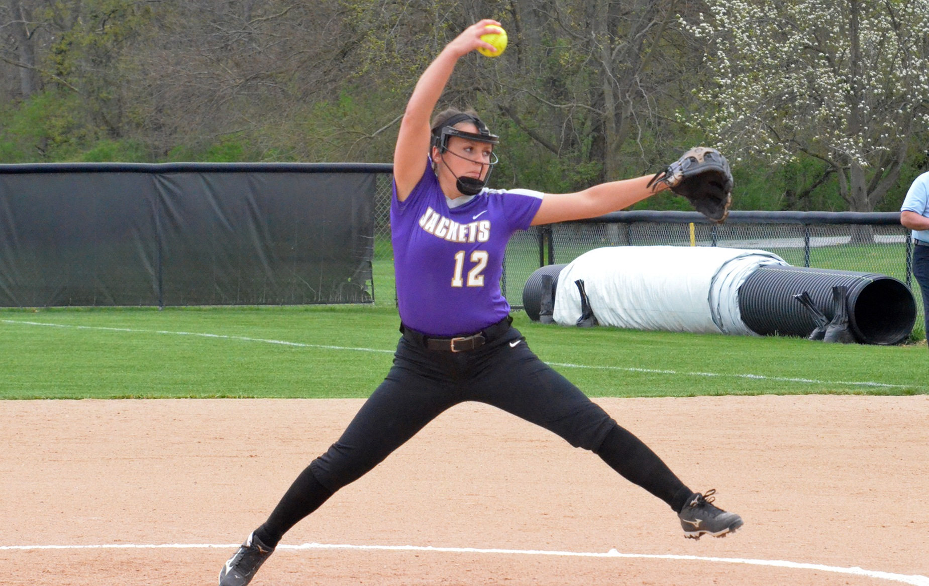 Softball Splits With Heidelberg
