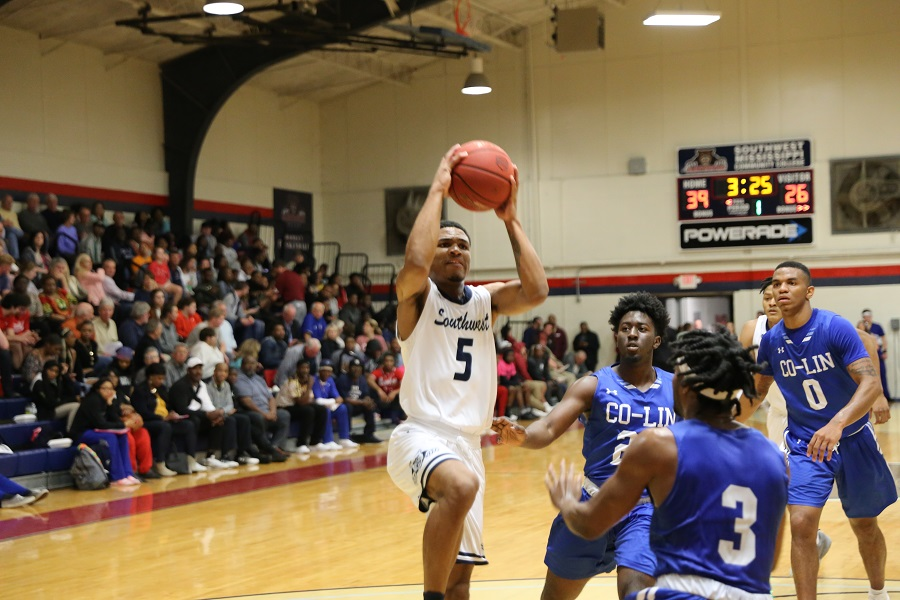 Southwest Bears win 94-87 thriller over visiting Co-Lin