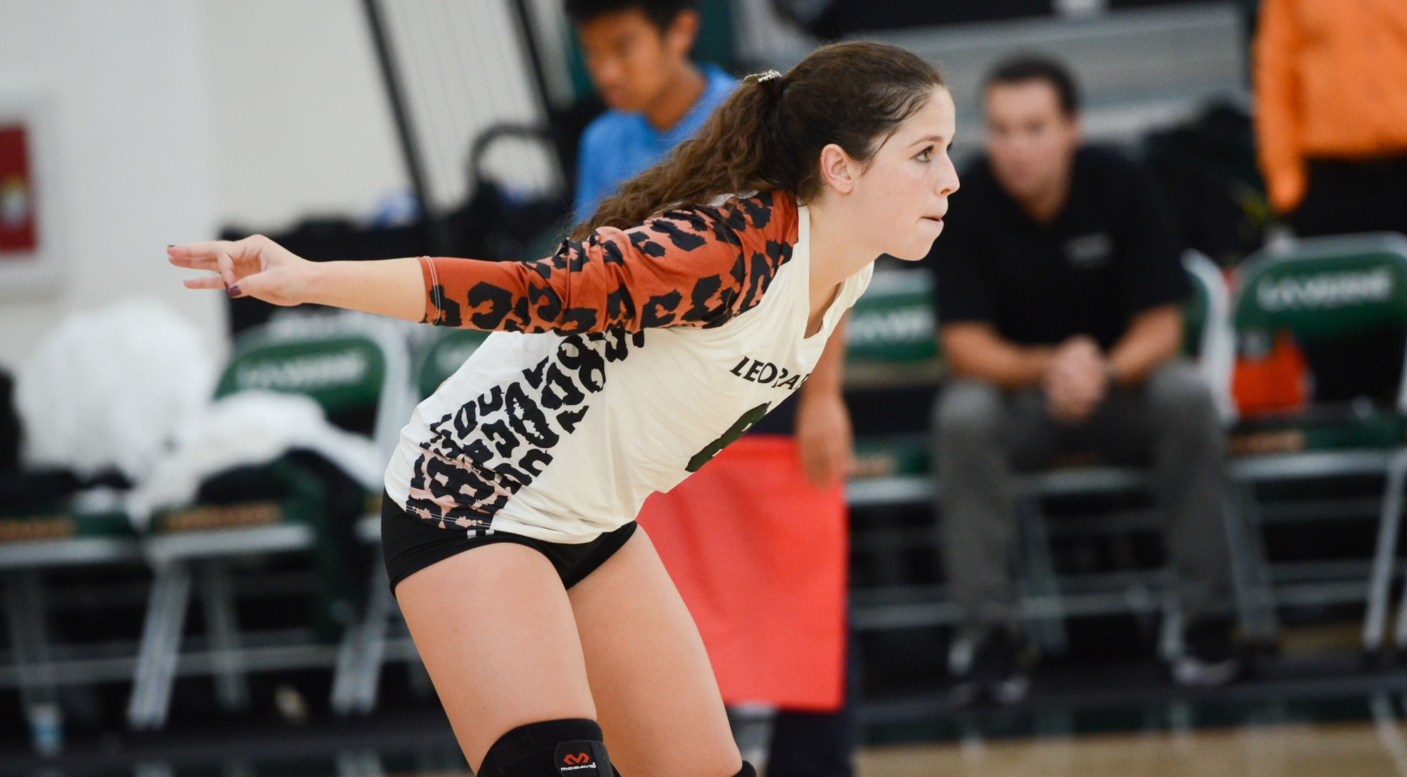 Leopards sweep Sagehens at home