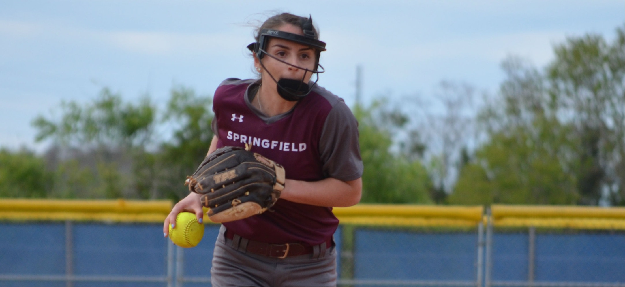 Softball Sweeps Westfield State in Non-Conference Play