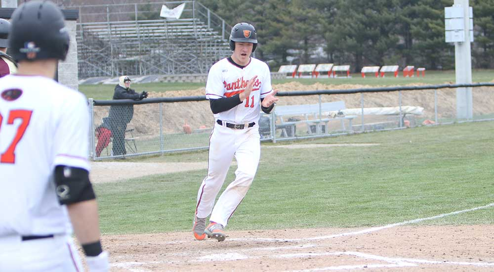 Baseball opens SLIAC with sweep over Eureka