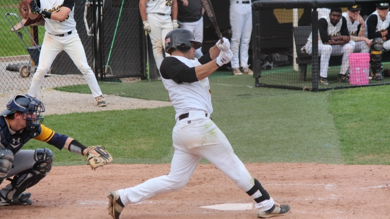 Baseball Drops Pair To Wayne State