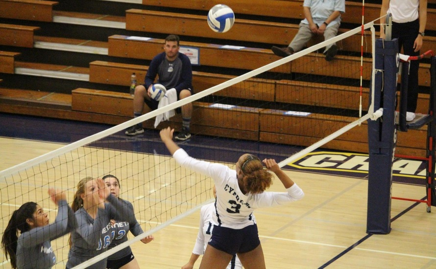 Chargers Sweep District Rival Hornets, 3-0
