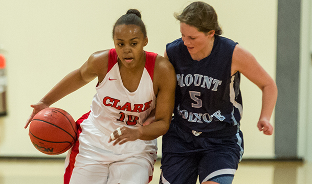 Aretha Sullivan finished with 17 points in the Cougars' 71-58 loss to Smith College.
