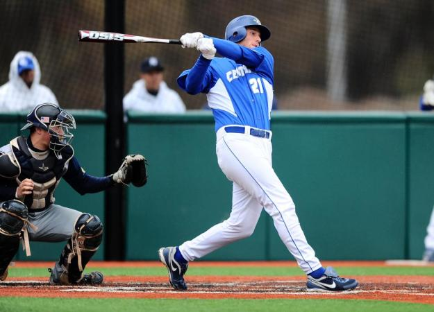 Baseball Takes Two From the Mount, Qualifies for NEC Tournament