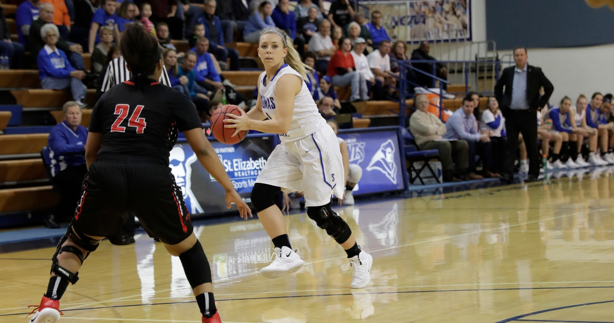 No. 5 Thomas More Defeats La Roche, 95-39, to Remain Undefeated
