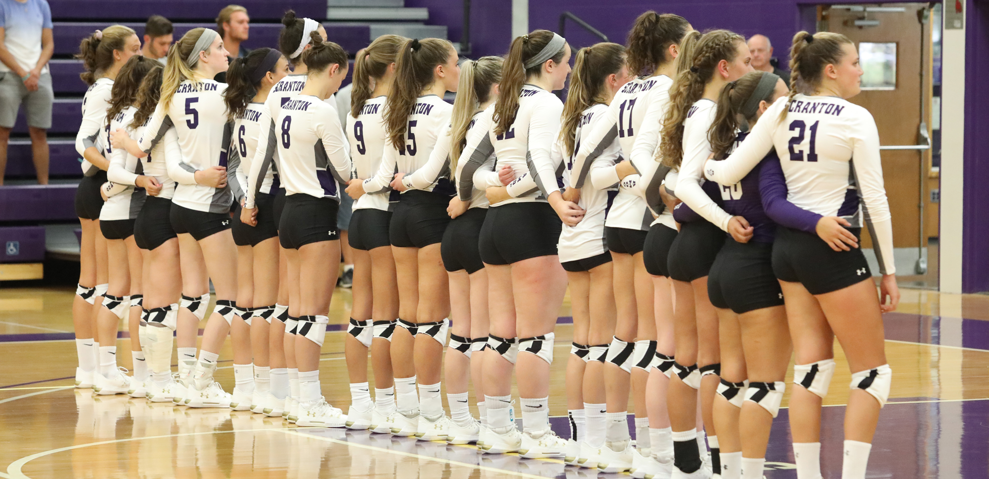 Volleyball Opens Weekend with Tough 3-2 Loss to Stevens