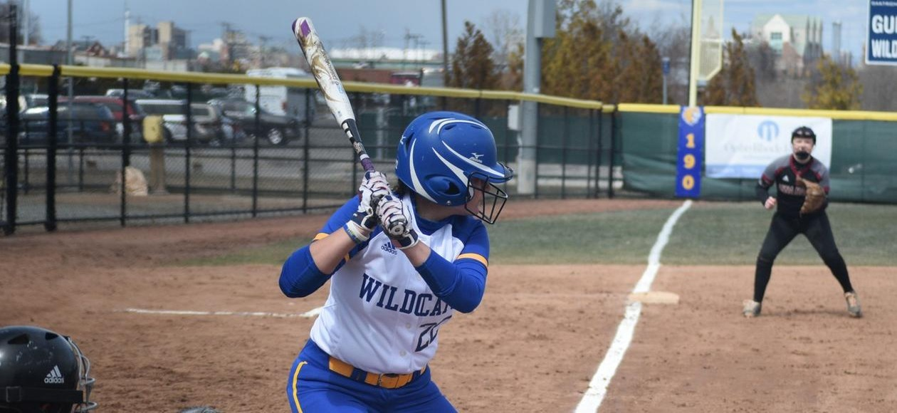 Softball Drops a Pair to Albertus Magnus