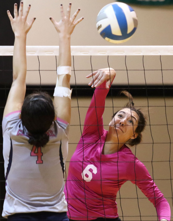 Umpqua Volleyball Advances