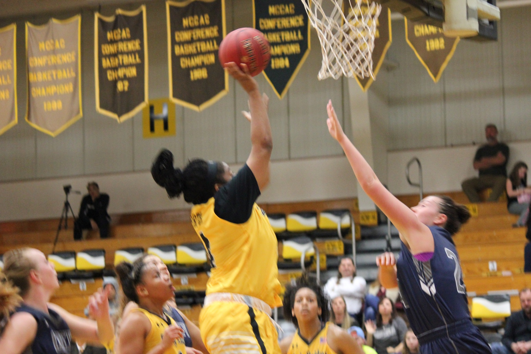 Offense sets tone for Lady Raiders