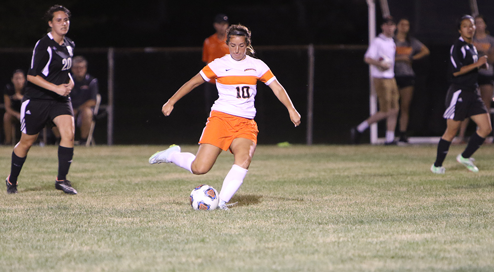 Women's soccer drops 1-0 contest to Rose-Hulman