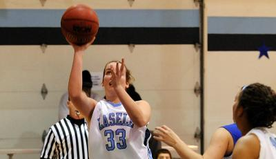 Women's Hoops Suffers First Home Loss