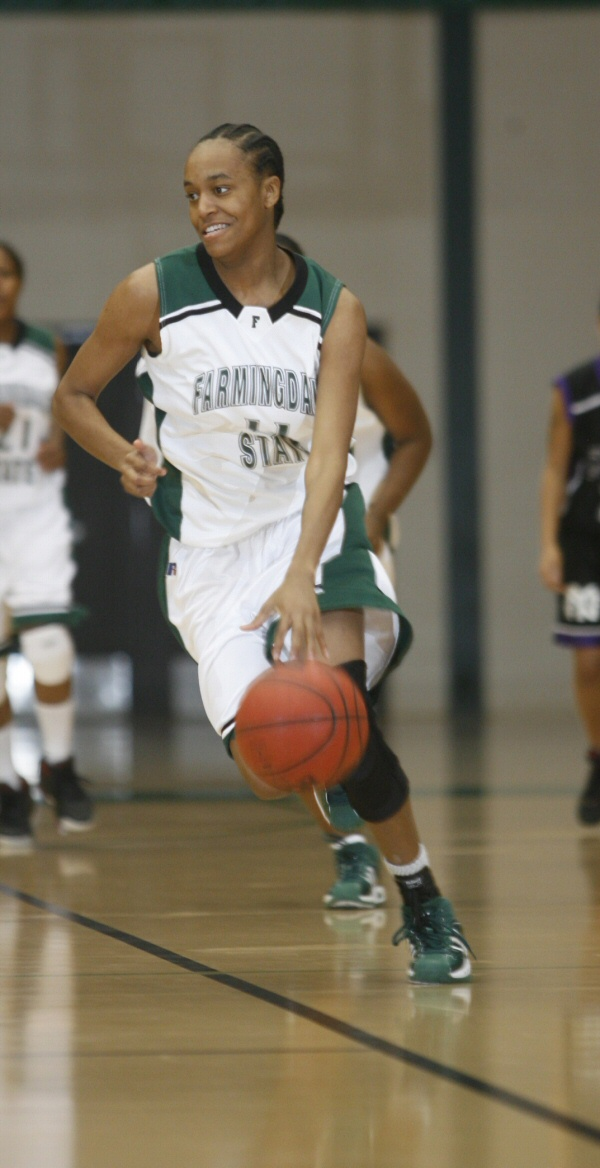 Blakney Reaches 100 Steals and Rams Stay Undefeated
