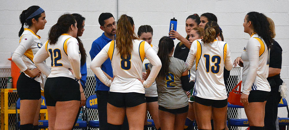 Clippers Women's Volleyball Falls at Holy Family, 3-0
