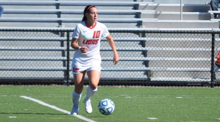 Women's Soccer Tops UNE 1-0; Advances to CCC Semis