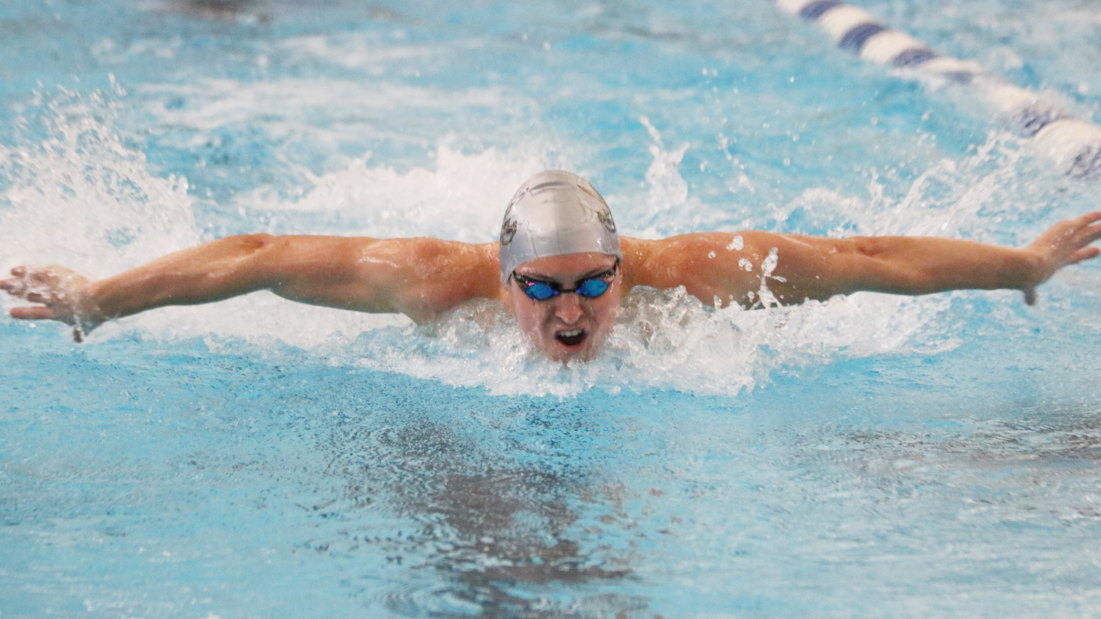Men's swimming and diving holds leads after third day of SCAC Championships