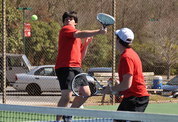 Men's Tennis: Panthers sweep Covenant 9-0
