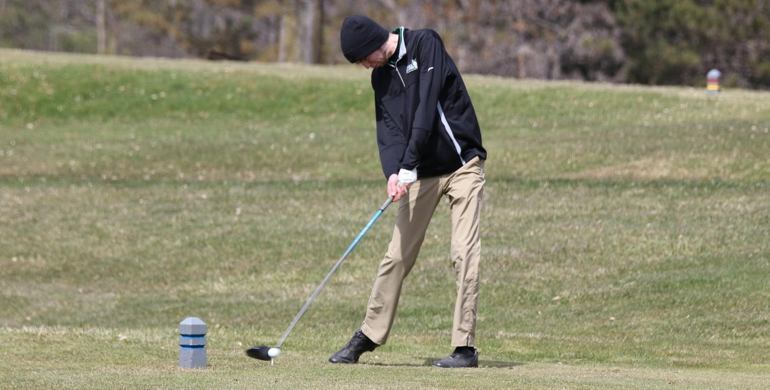 Lucas Labuski finished in a tie for third to lead Keuka College