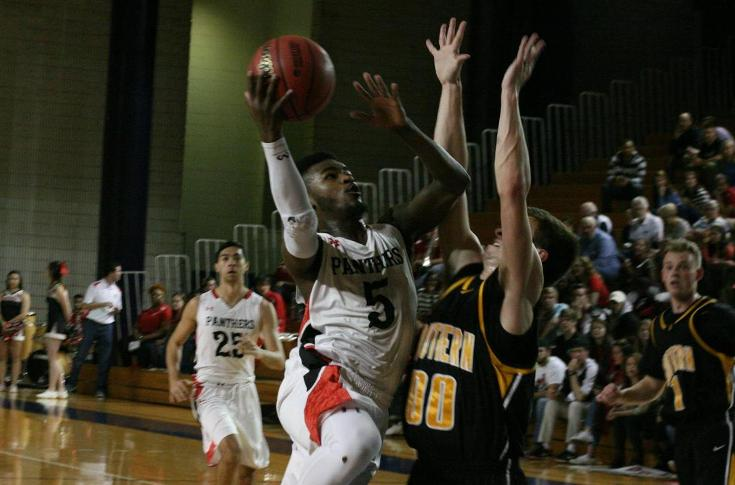 Men's Basketball: Banner season ends with loss to Birmingham-Southern in NCAA tournament
