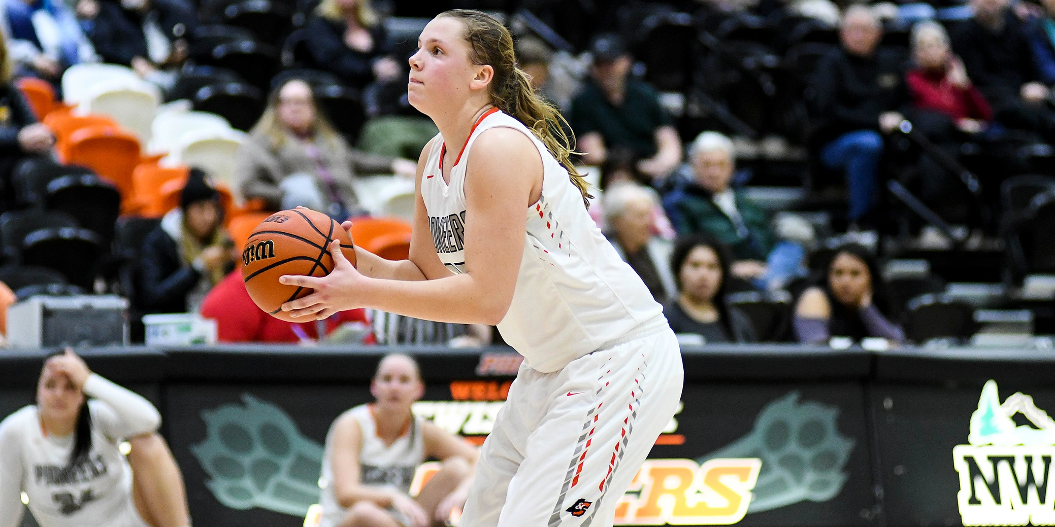 Pios fail to keep momentum in final quarter, lose to Willamette