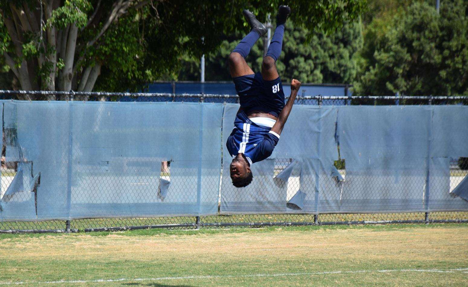 Men's soccer team rolls in shutting out El Camino at home