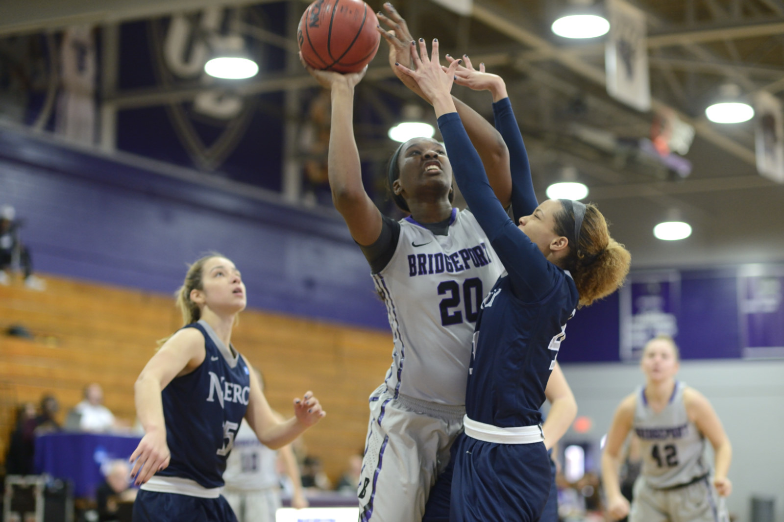 Late Push Helps Women's Basketball End Losing Streak With 72-69 Victory At LIU Post