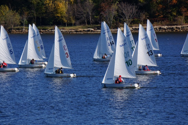 Dinghy Sailing Opens Spring Slate With Seventh Place Finish At Boston University Central Series Two Regatta