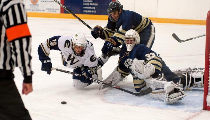 Men's Hockey Shutout in I94 Battle