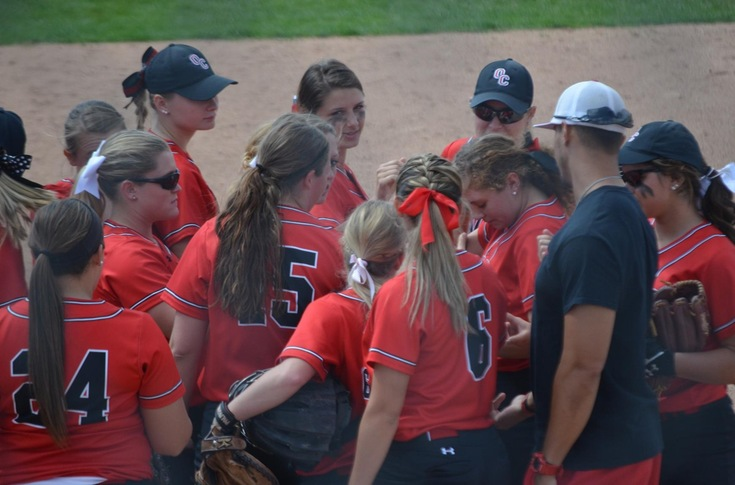 Softball team loses two close games to Baldwin Wallace, 3-1 and 5-4