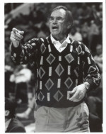 Santa Clara to Celebrate Dick Davey Sweater Night Saturday