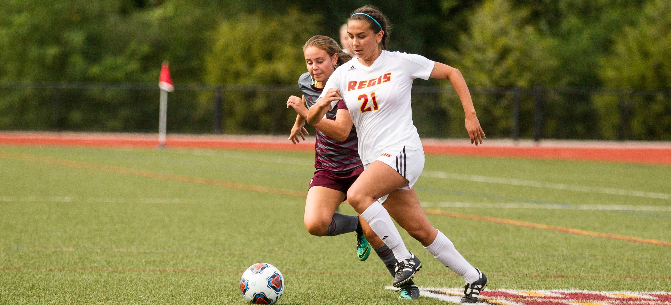 Women's Soccer Doubled Up by Simmons