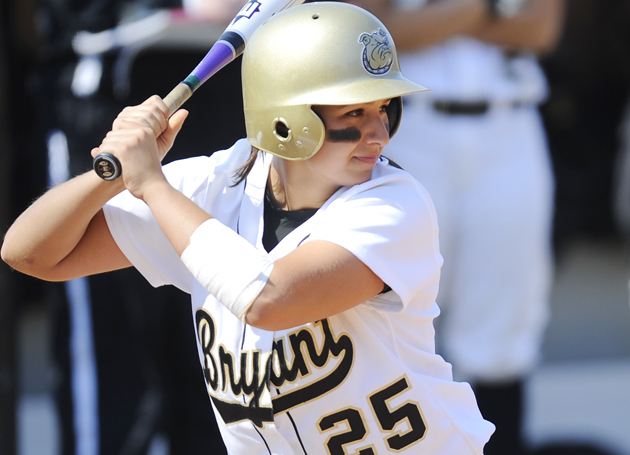 Softball faces UConn at home Tuesday