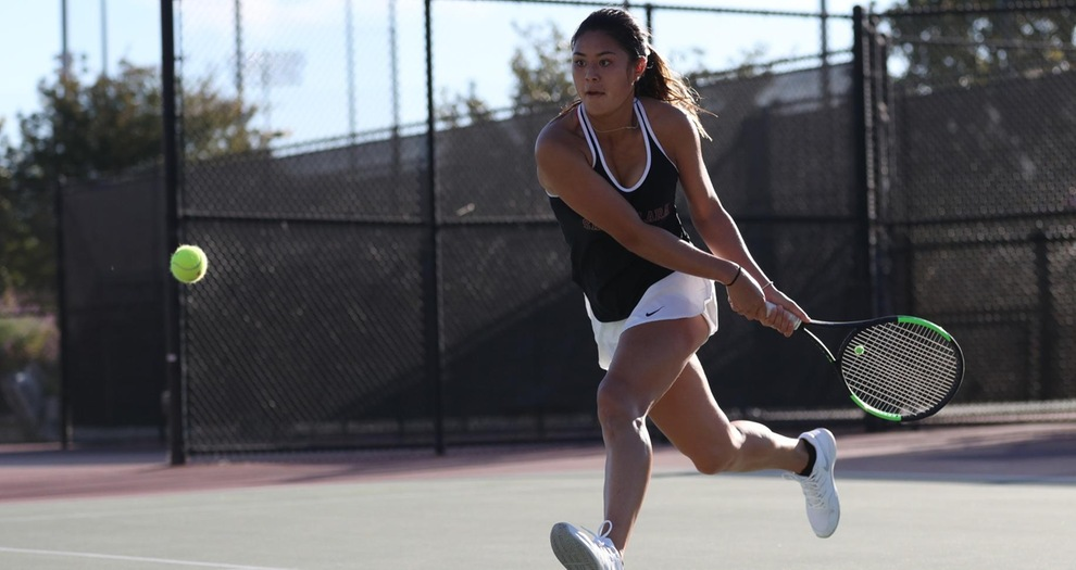 Women's Tennis Picks Up Six Wins at CSUF Titan Invitational on Friday