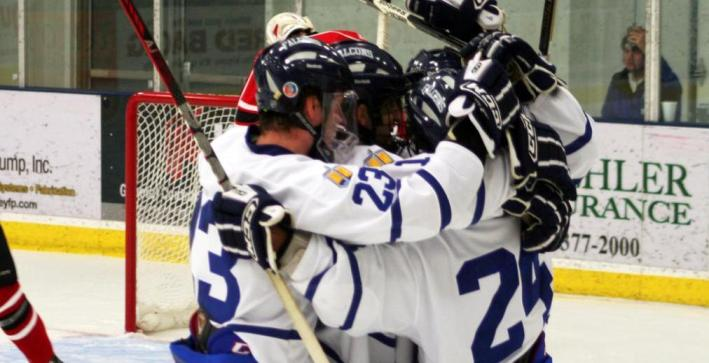Men's Hockey scores two power-play goals to defeat Lake Forest